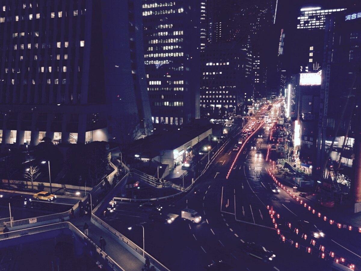 都会的な道路